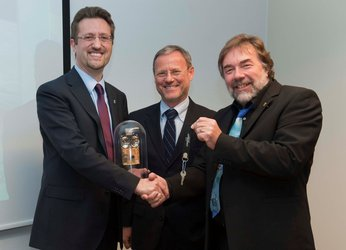 Handing over the 'keys' to CryoSat