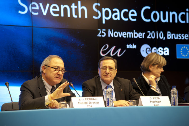 Jean-Jacques Dordain, during the 7th Space Council press conference