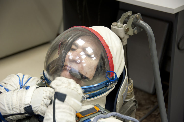 Paolo Nespoli trying on his Russian Sokol suit