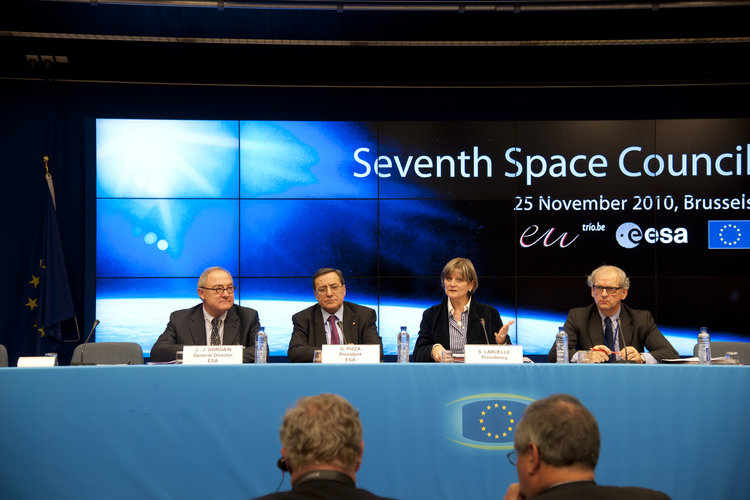 Press conference at 7th Space Council