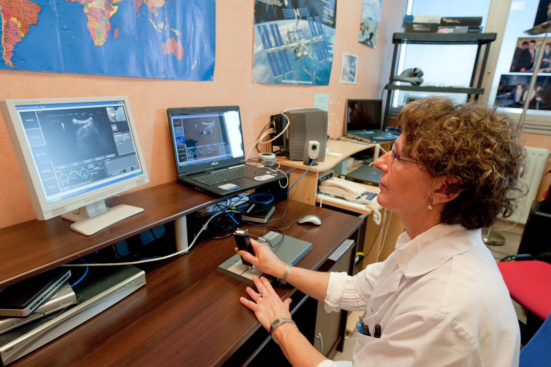 Controlled remotely by expert radiologist