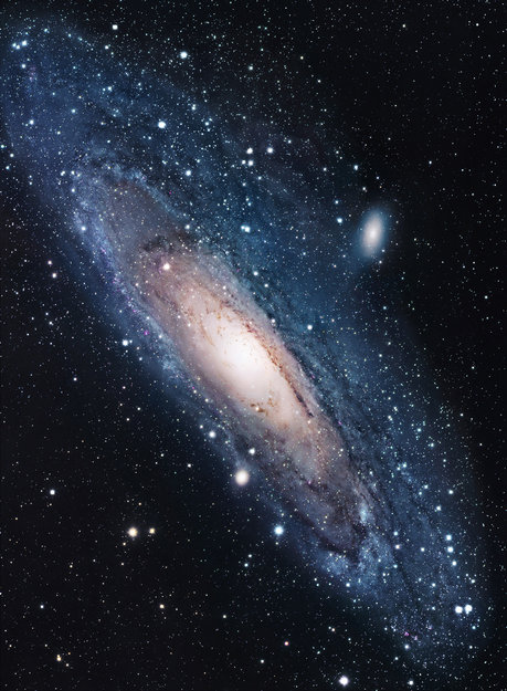 Space in Images - 2011 - 01 - Andromeda Galaxy seen in ...