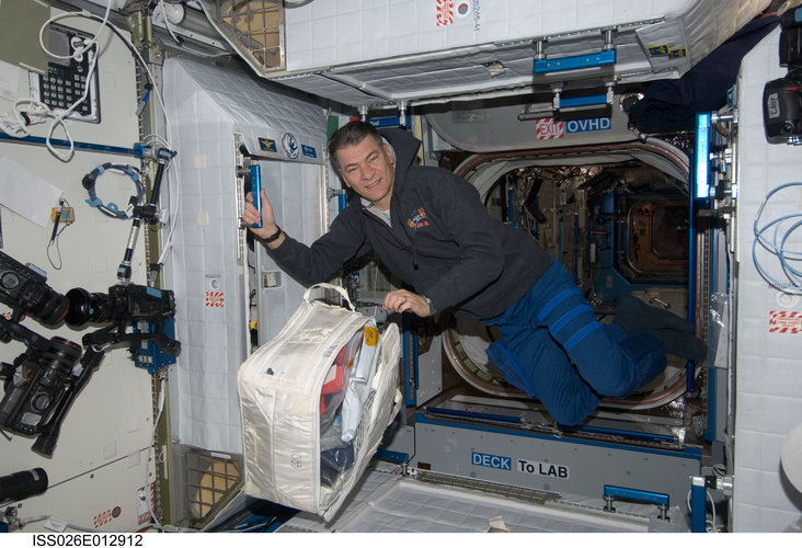 Paolo Nespoli with his storage bag
