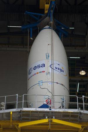 Integration of Vega's payload composite