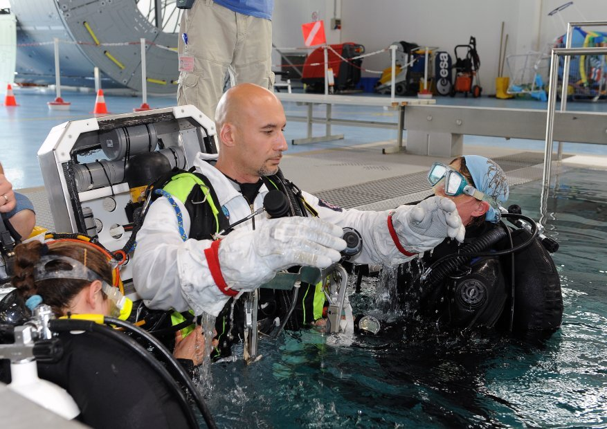 Luca spacewalk training
