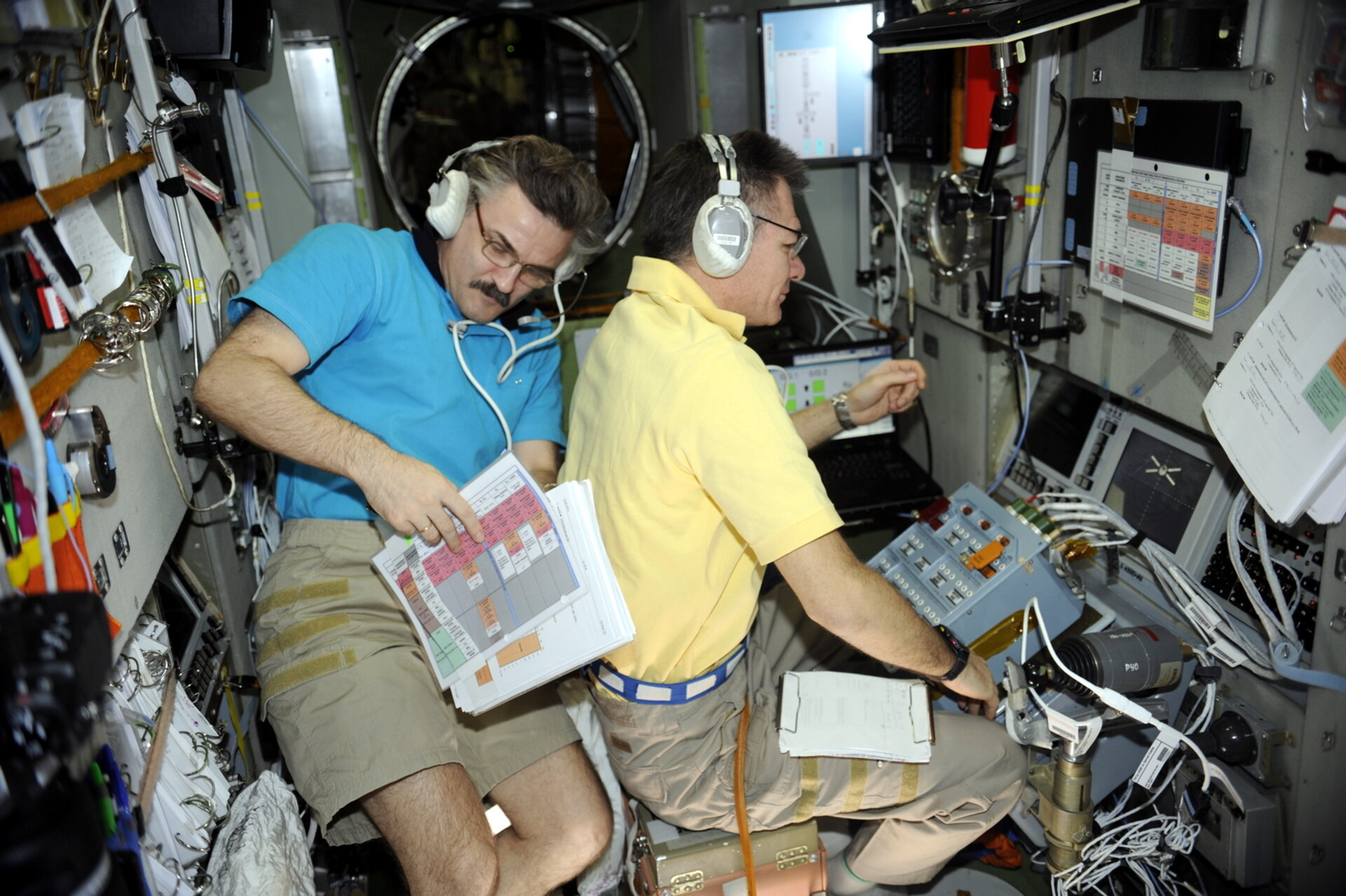 Paolo Nespoli and Alexander Kaleri prepare for the final phase of ATV docking
