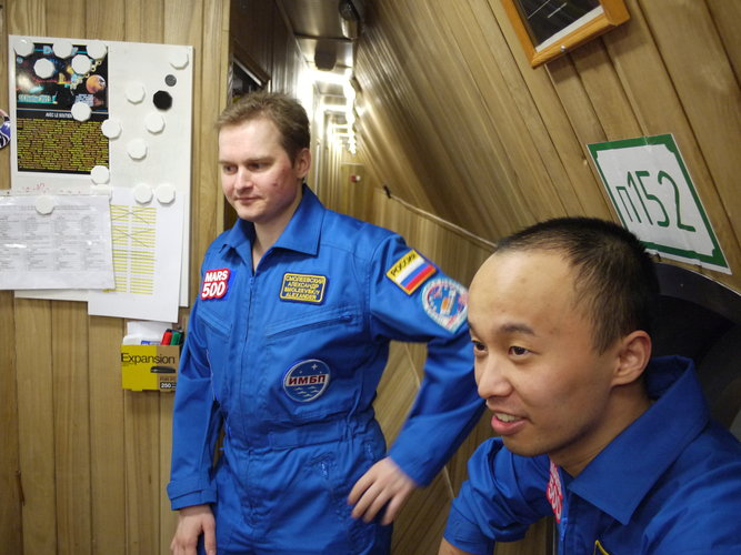 Alexandr and Wang back in the orbital modules