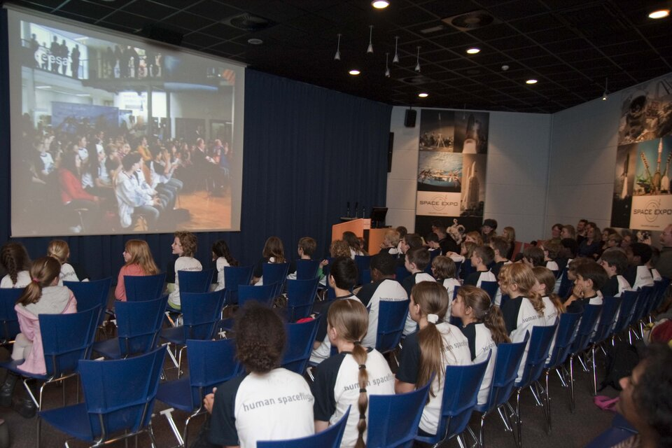 Children at Space Expo in the Netherlands