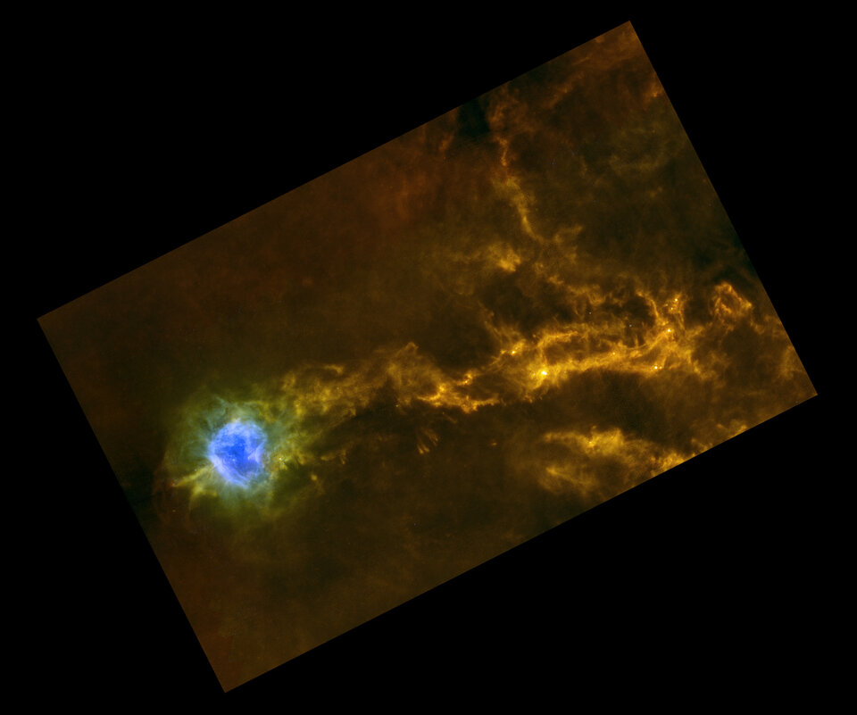Dense filaments of gas in IC5146