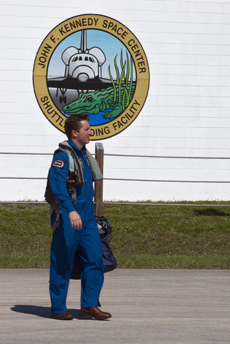 Roberto Vittori about to leave KSC aboard a T-38 jet