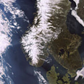 MERIS shows Scandinavia in spring