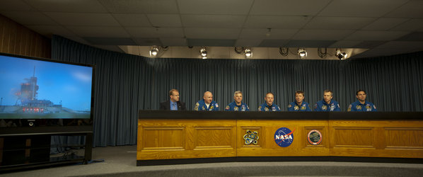 The STS-134 Crew in Q&A session