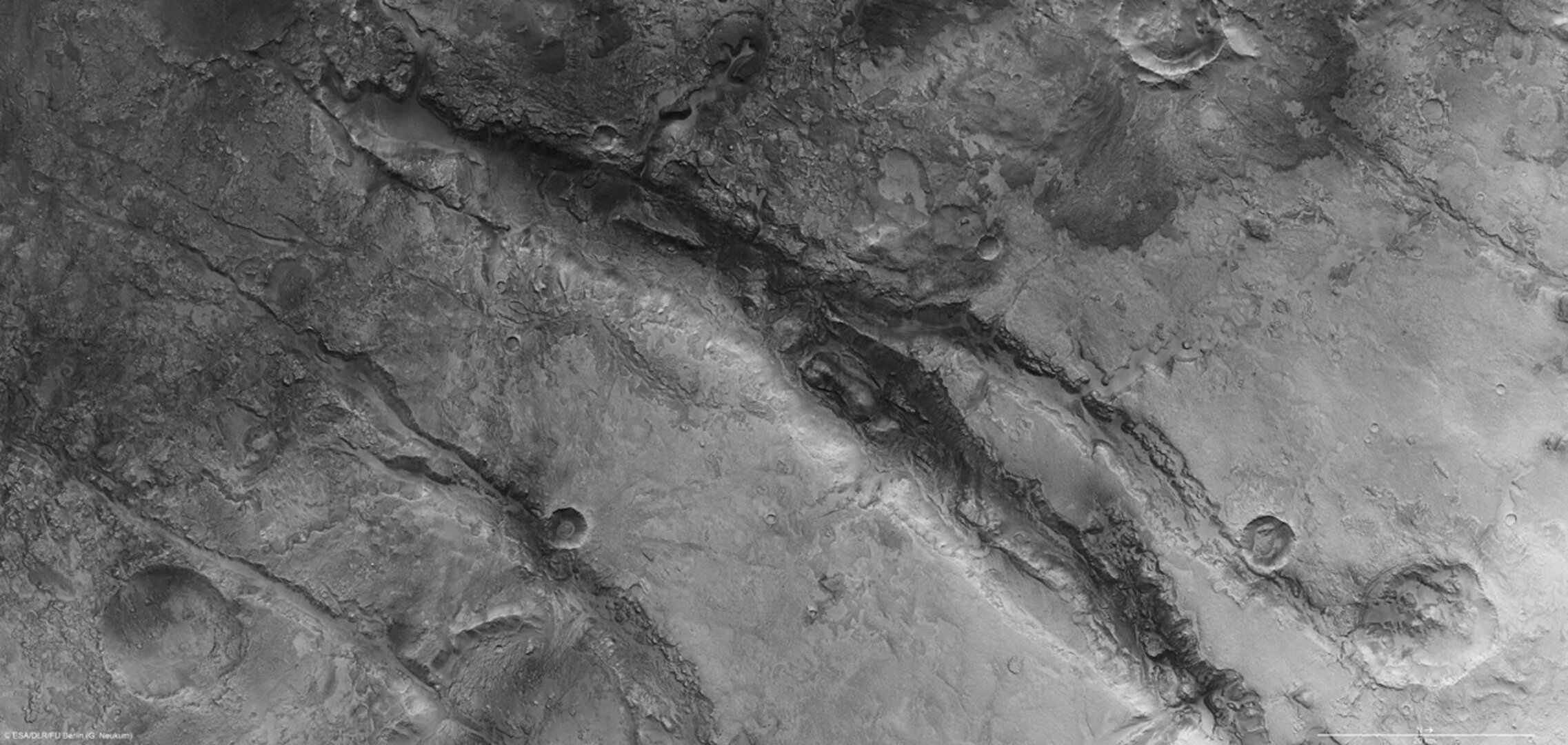 Nili Fossae in high resolution