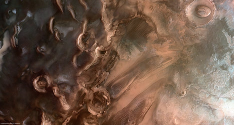 Springtime at Mars' south pole