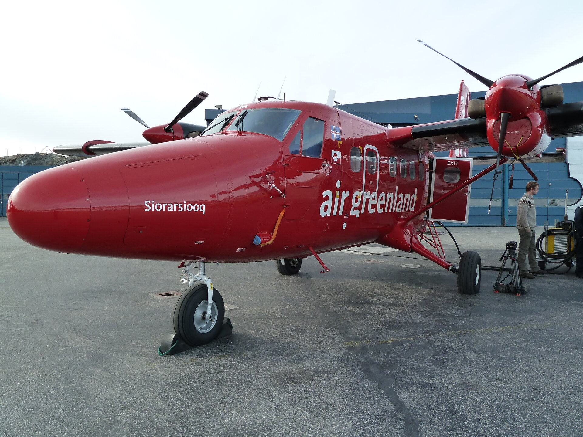 Twin Otter carrying ASIRAS