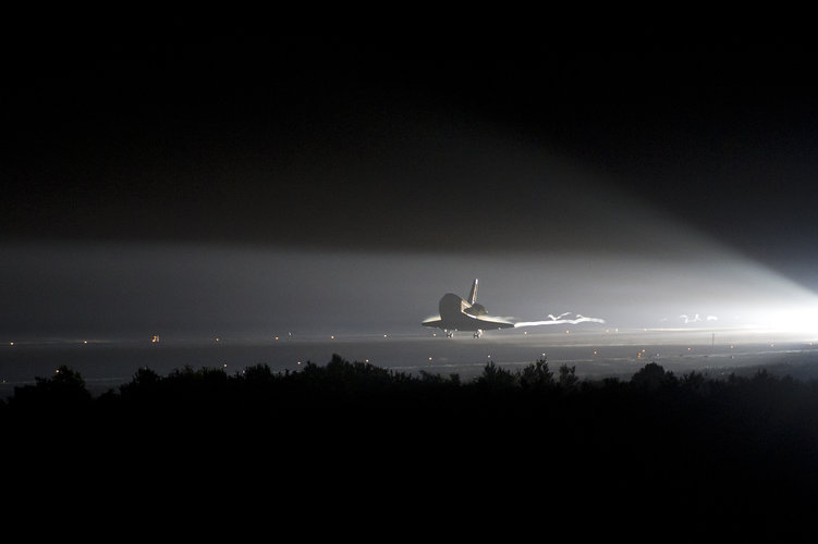 Endeavour makes its final landing at Kennedy Space Center