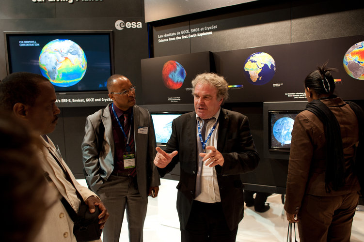 Staff of the Europe's Spaceport visit the ESA pavilion