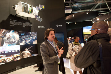 Staffs of the Europe's Spaceport and Massimo Sabbatini visit the ESA pavilion