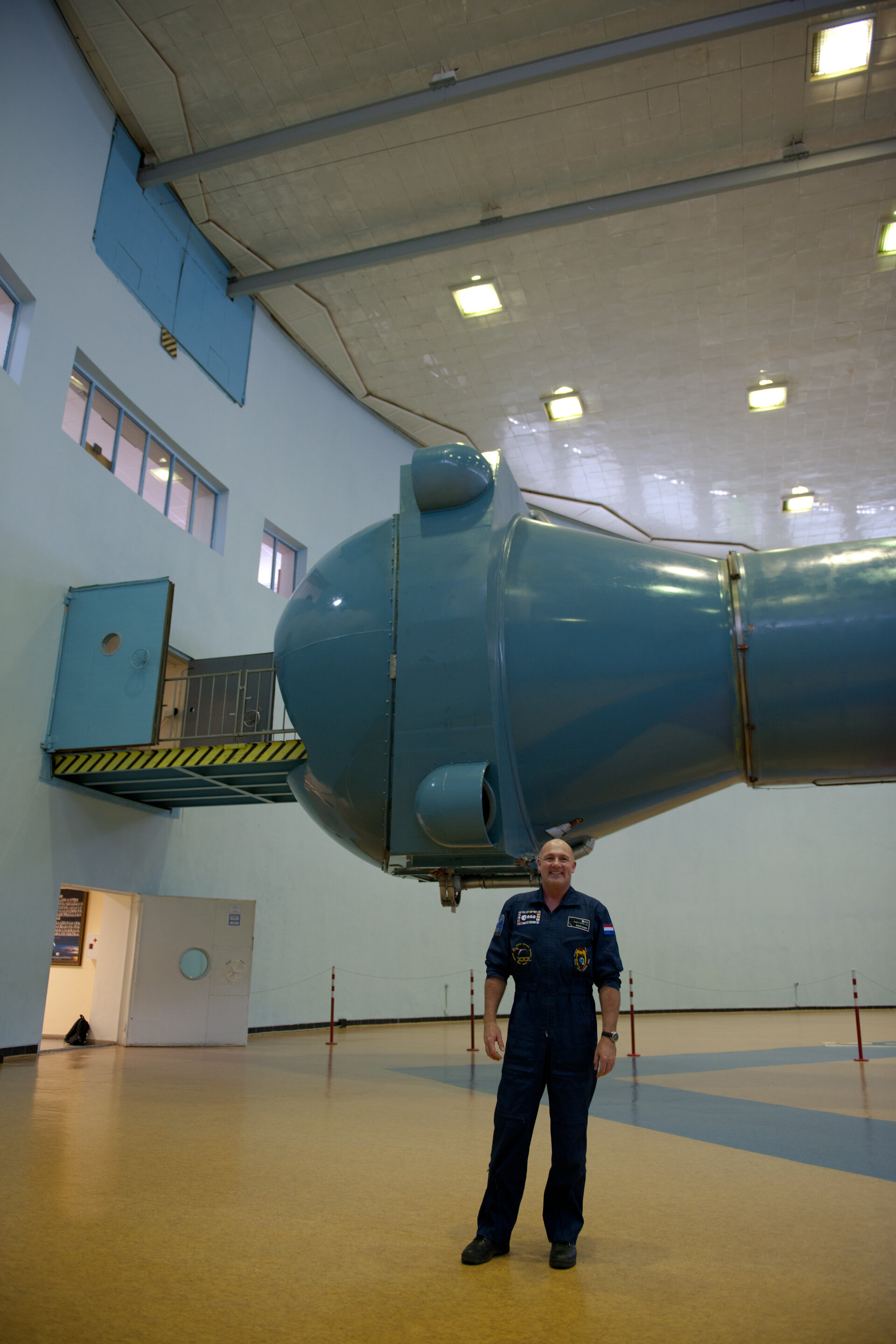 André Kuipers at the centrifuge building at the Gagarin Cosmonaut Training Center