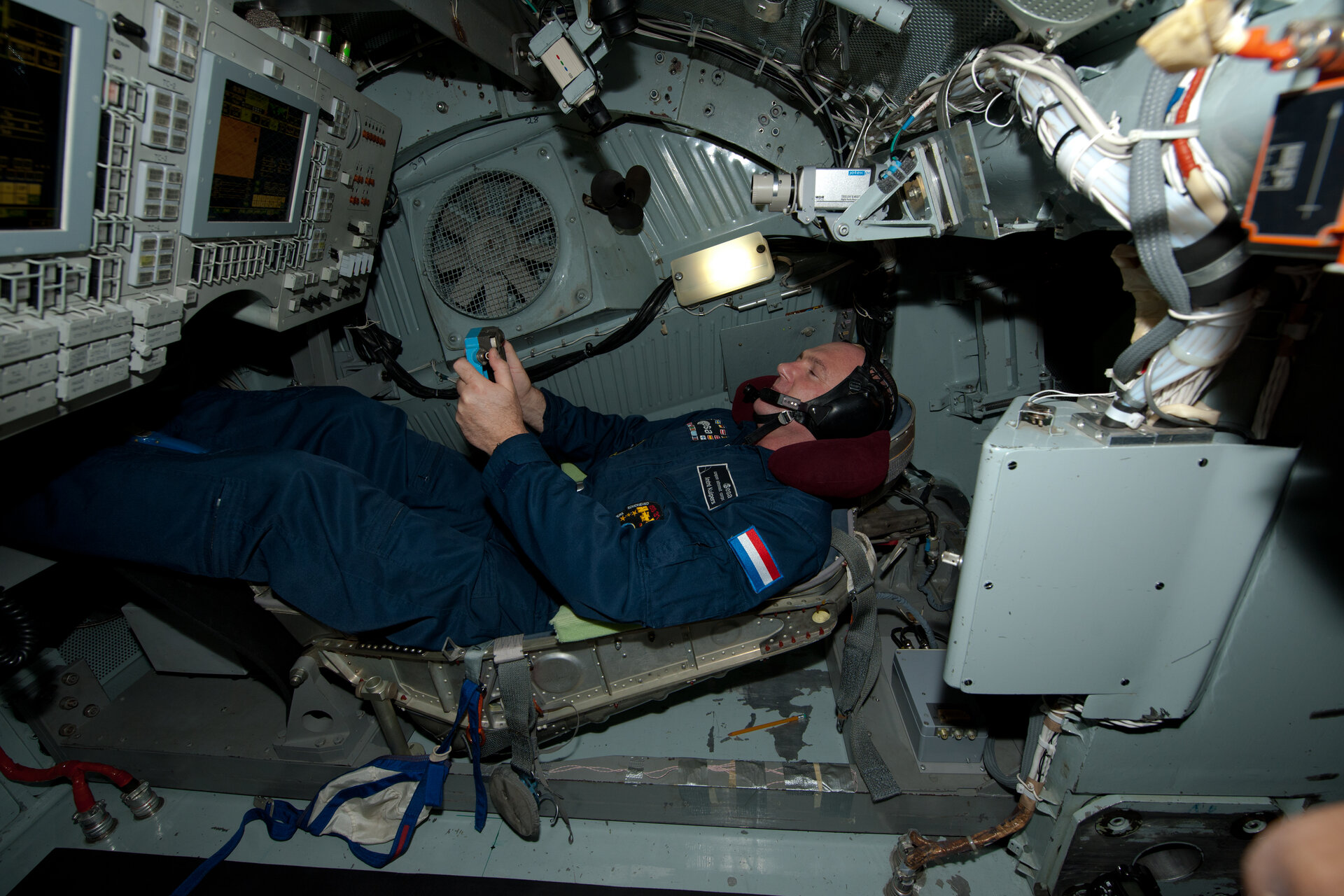 André Kuipers inside a centrifuge