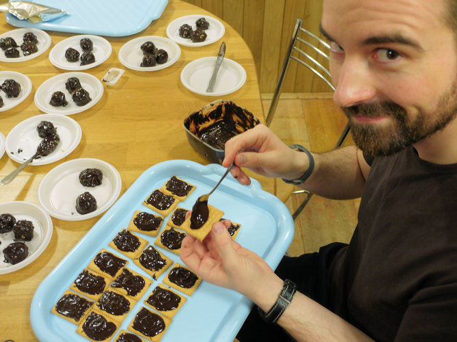 Romain with chocolate bisquits