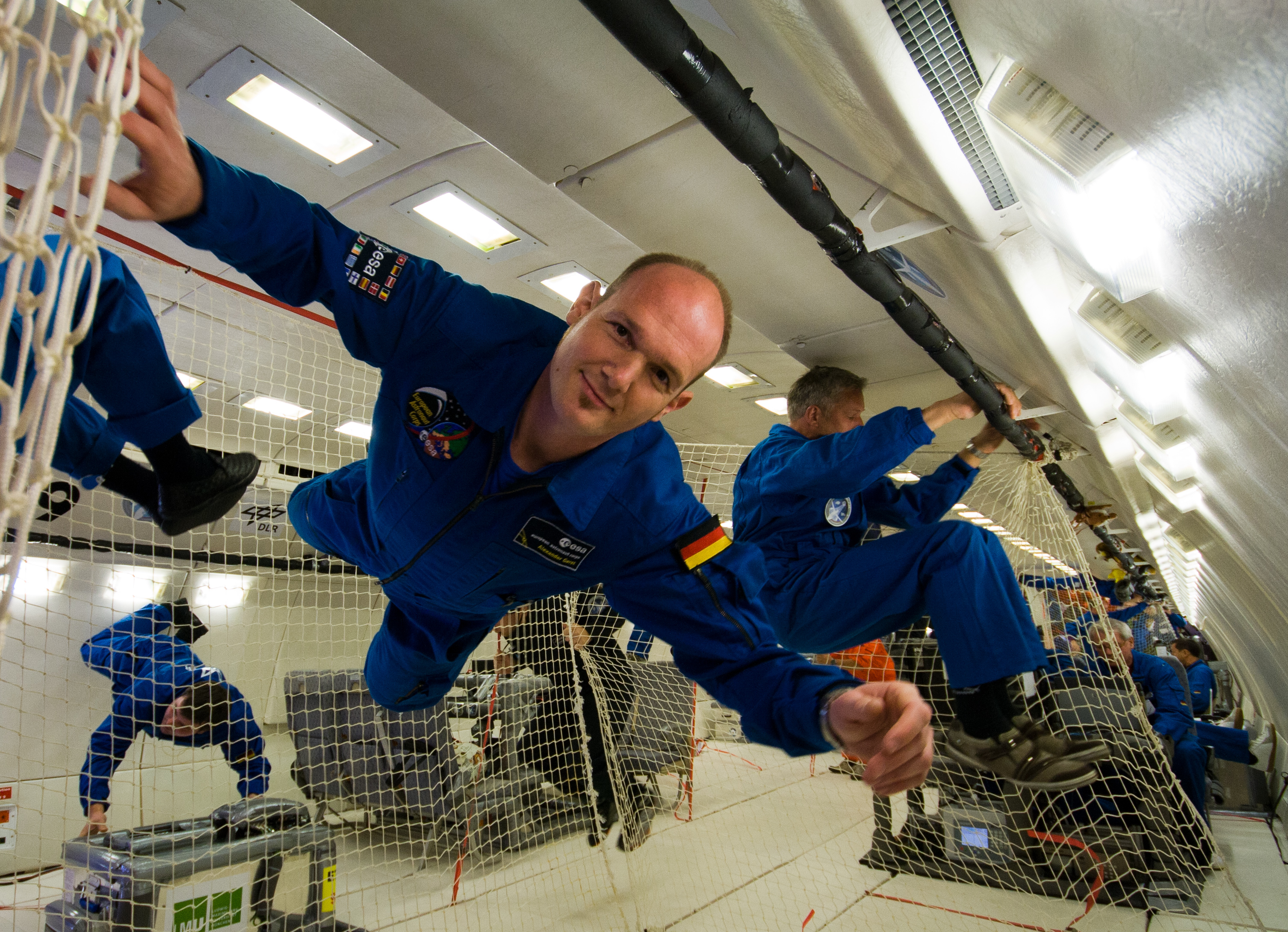 astronauts in space feel weightless because they - photo #10