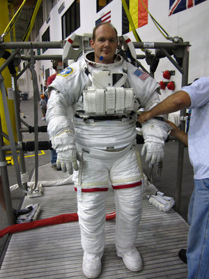 Alexander Gerst prepared for spacewalk training