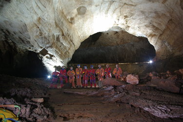 Cave training team
