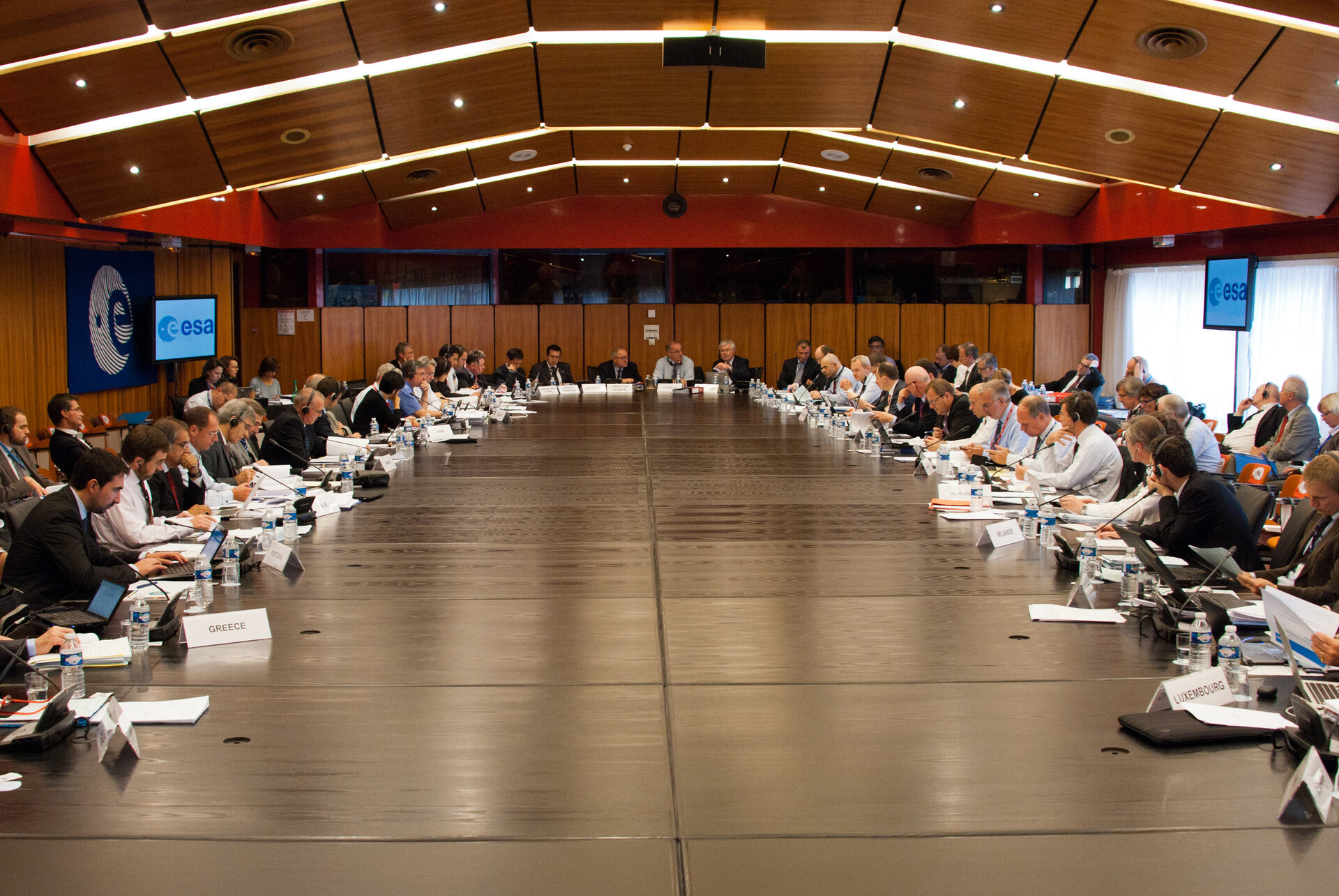 10 new observers the ESA Council in October