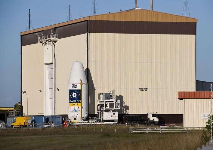 Galileo Upper Composite moving to launch pad