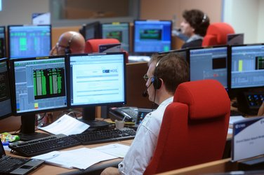 Mission controllers at work in ESA/CNES Galileo LEOP control room