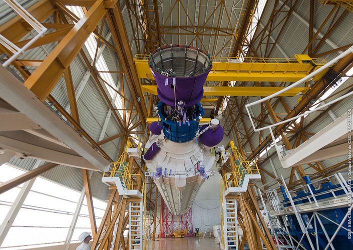 ATV-3's Ariane 5 launcher preparation