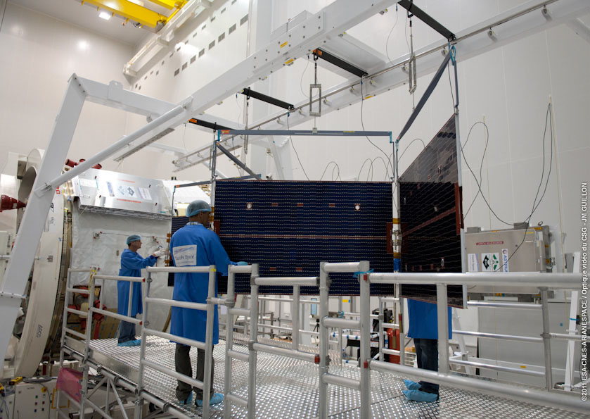 Space In Images 2011 11 Atv 3 Solar Panel Checking