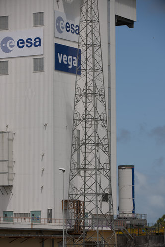 Transfer of Vega's P80 first stage to launch pad