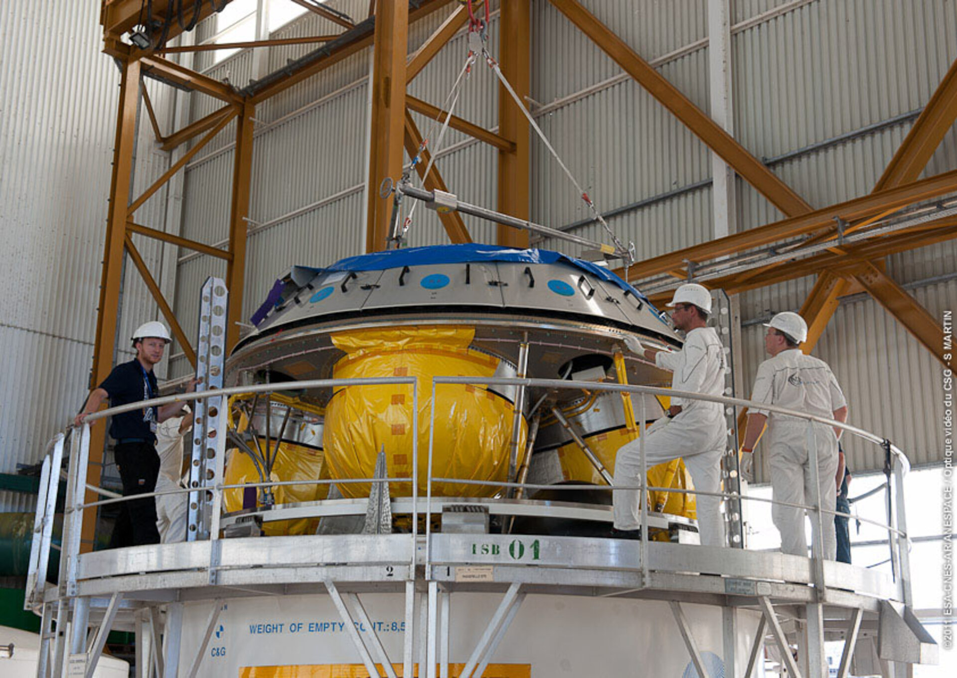 Upper stage of Ariane 5 hoisted into position