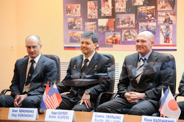 Expedition 30/31 crew members during the Russian State Commission