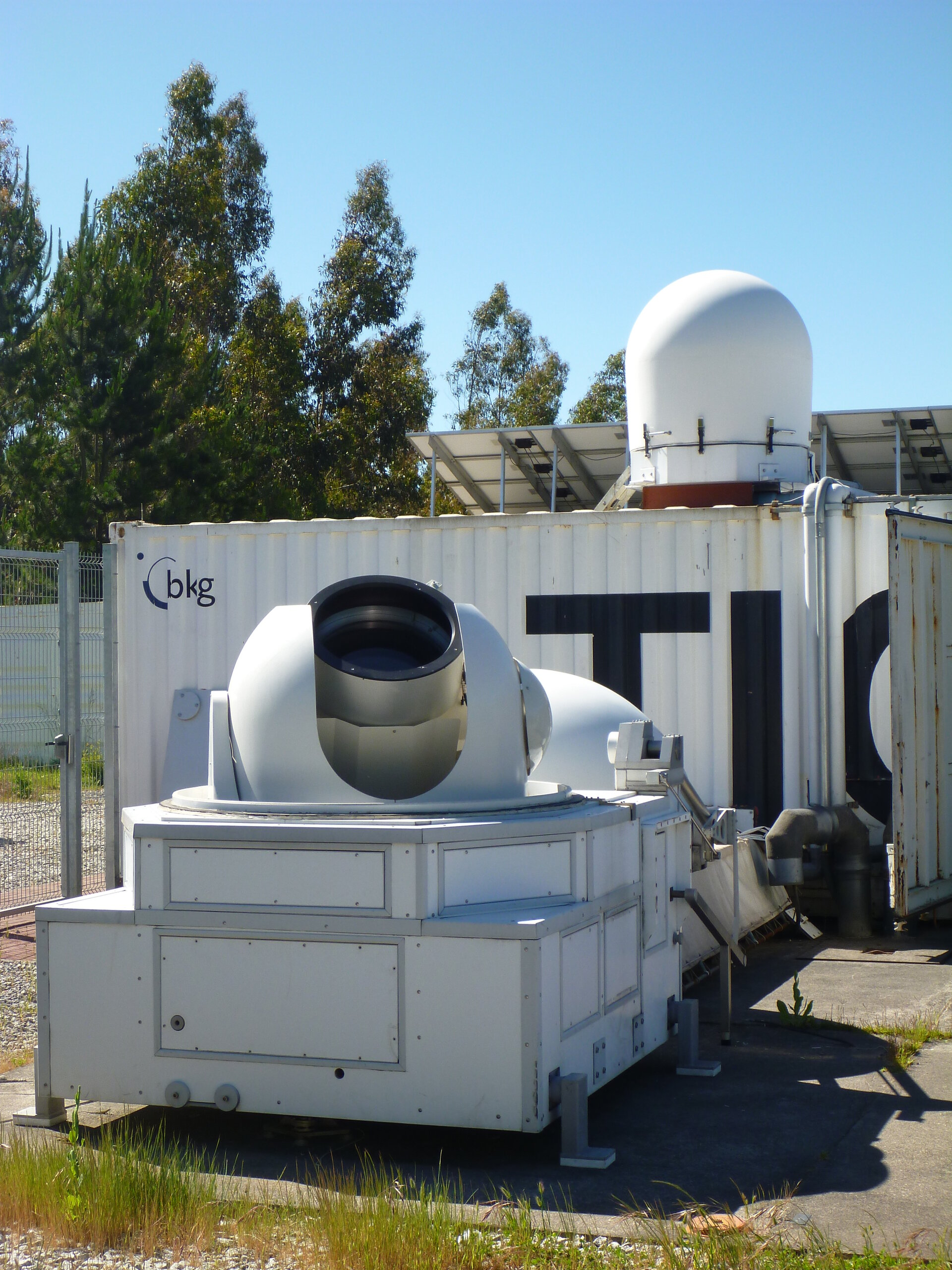 Laser ranging telescope