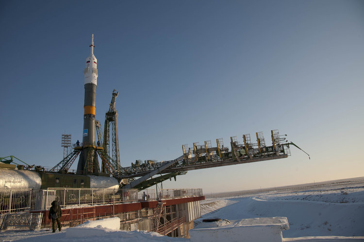 Launch vehicle transfer for the PromISSe Mission