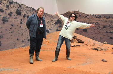 Put on a transport to the stars? Marillion on Mars