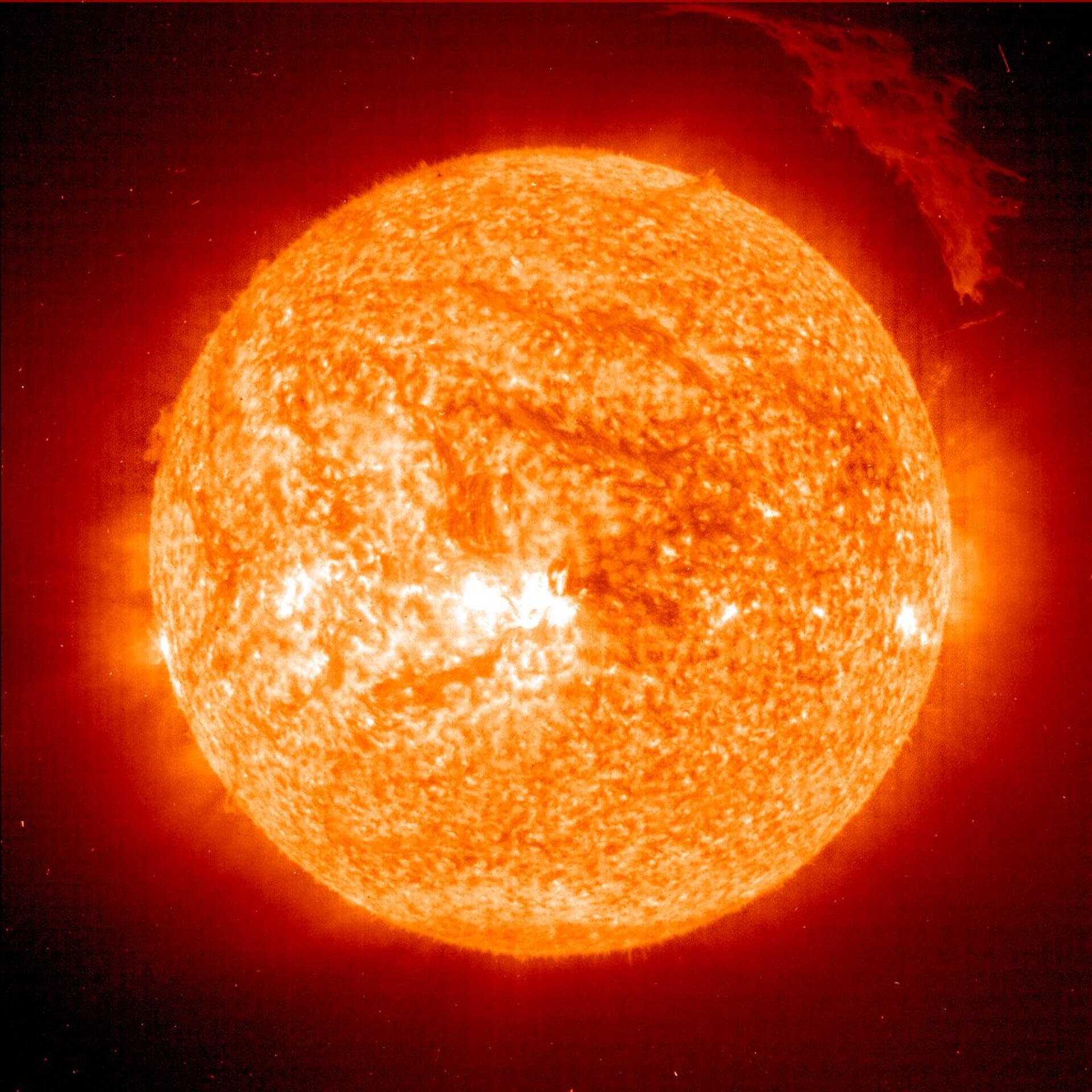 Sun seen by SOHO<br>Images stored in FITS
