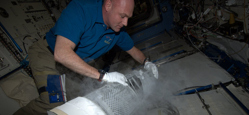 ESA astronaut André Kuipers freezing blood samples
