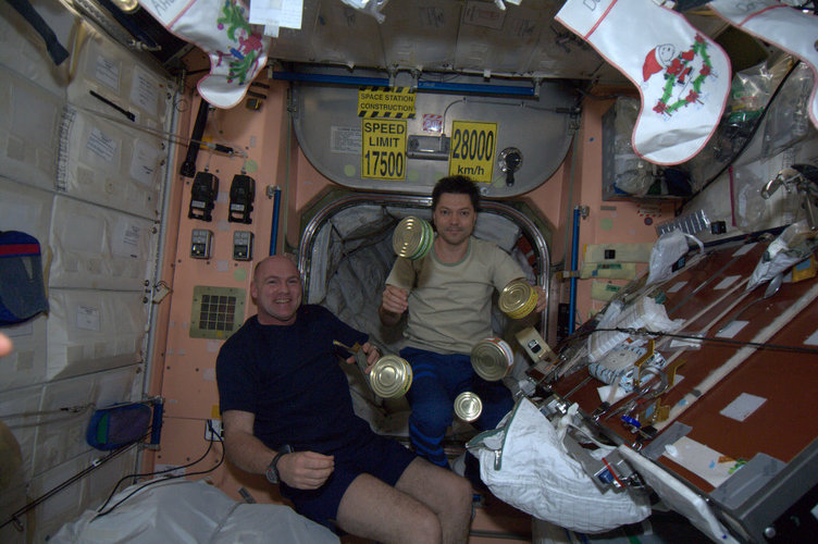 Andre Kuipers and Oleg Kononenko onboard the ISS