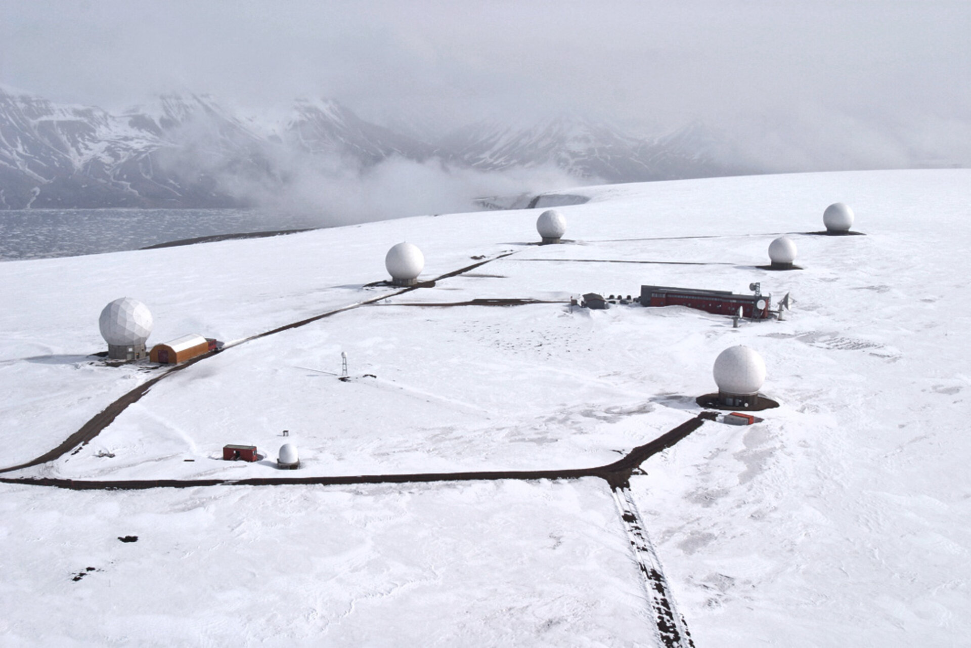 Svalbard ground station