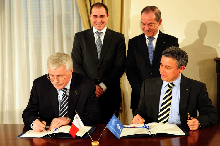 Signing the cooperation agreement in Valetta