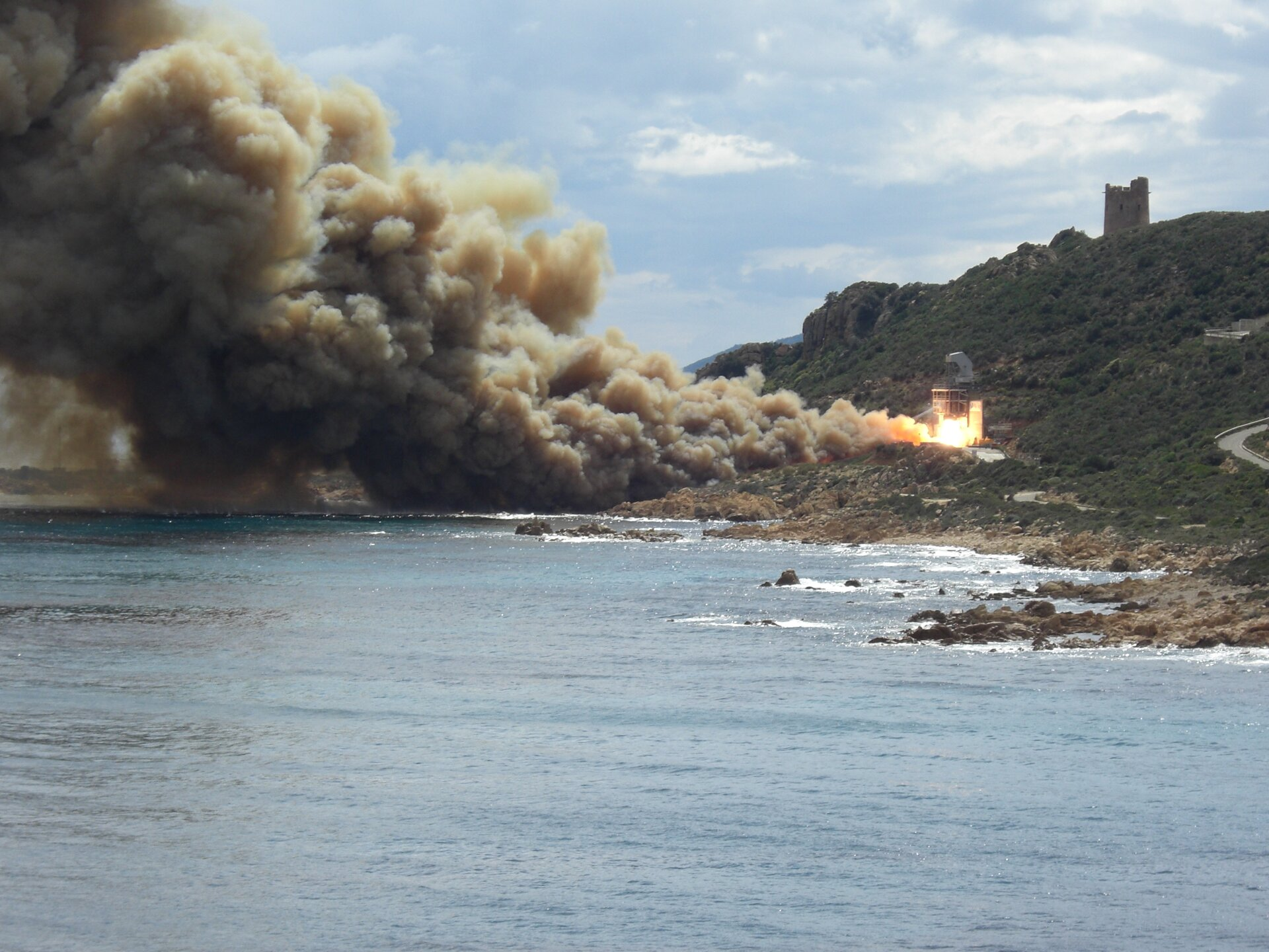 Vega second stage firing test
