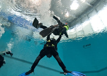 Timothy Peake rescue diver training
