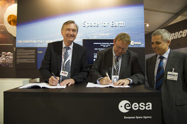 Contract Signature for Galileo Full Operational Capability Work Order 2, Farnborough airshow, 11 July 2012