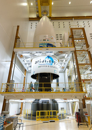 Hylas-2 encapsulation in Ariane 5 Fairing
