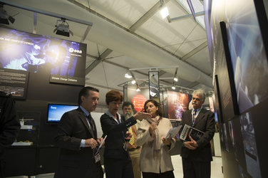 Magali Vaissiere visits the ESA exhibition at Farnborough, 10 July 2012