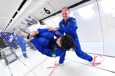 Samantha Cristoforetti and Alexander Gerst parabolic flight training